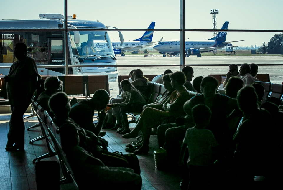 zaderzhka aviarejsa po vine aviakompanii