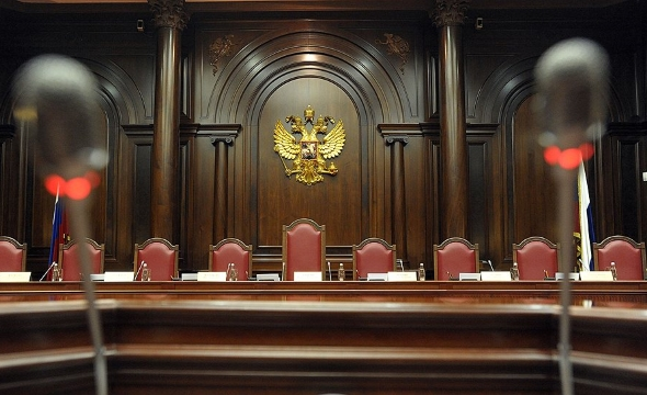 Жалобы на нарушение конституционных прав